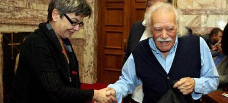 Maria Bolari avec Manolis Glezos