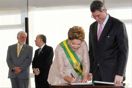 Dilma Rousseff nomme, en janvier, le ministre des Finances Joaquim Levy. Tout un programme…