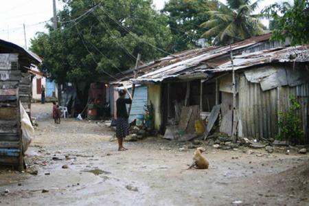 Batey dans la République dominicaine, en général  à la «frontière» avec Haïti