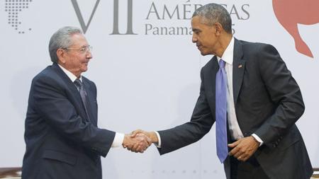 Raul Castro et Barack Obama, en avril 2015 à Panama