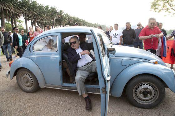 Pepe Mujica, ministre de l'Agriculture, puis président «normal»