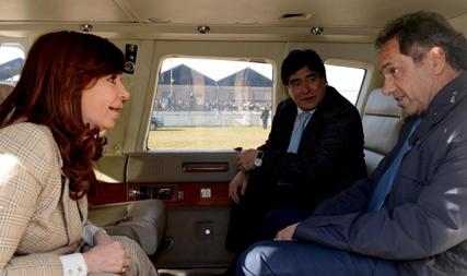Cristina Kirchner en«compagnie» de Daniel Scioli et Carlos Zannini