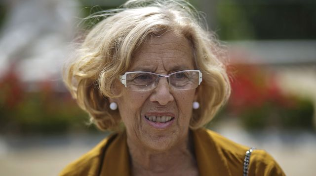 ahora-madrid-now-madrid-local-candidate-manuela-carmena-poses-for-the-media-in-central-madrid_5357143