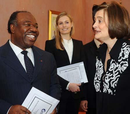 Cherie Blair en compagnie du président Ali Bongo Odimba, à Libreville