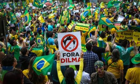 Les-Bresiliens-toujours-en-colere-contre-leur-presidente-Dilma-Rousseff_article_popin