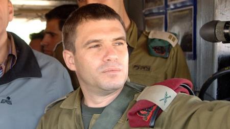 Le brigadier général (à la retraite) Gal Hirsch