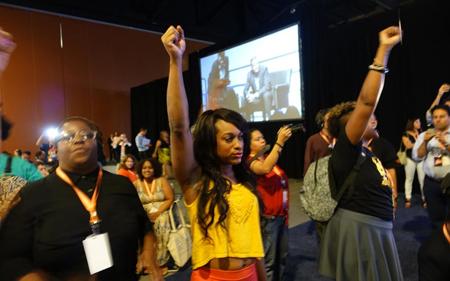Intervention de militantes du Black Lives Matter lors de la conférence de Netroots Nation, à Phoenix