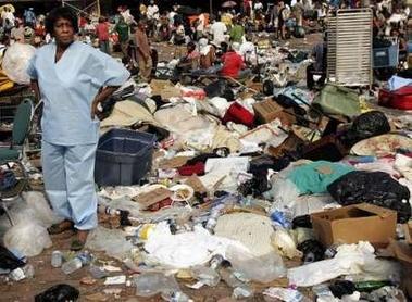 Katrina-NewOrleansSuperdomeSat3Sept-MoreTrash+StillWaiting2BEvacd-Reuters-ShannonStapleton