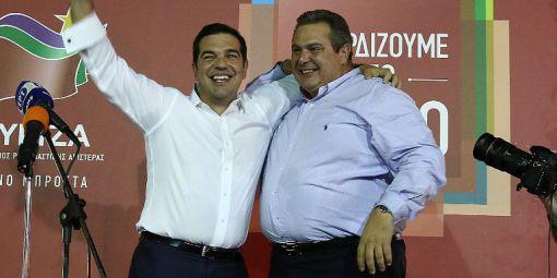 Alexis Tsipras et Panos Kammenos, le dimanche 20 septembre au soir après la victoire de Syriza, symbolisent le renouvellement de leur alliance