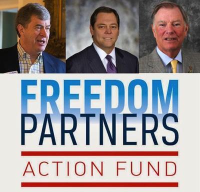 Les frères Koch envisagent de dépenser 900 millions en 2016 pour les élections et ils ont l'appui (de gauche à droite) de Richard B. Gilliam (mines dans l'Etat de Viriginie), de Paul L. Foster et William Laufer, du Texas, actifs comme eux dans l'industrie du gaz et du pétrole