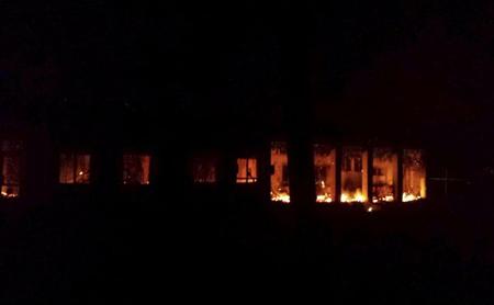 L'hôpital de MSF en feu, le 3 octobre 2015, à Kunduz