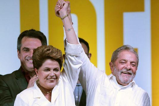 Dilma Rousseff, et Lula fêtent la réélection de Mme Rousseff, à Brasilia, en octobre 2014