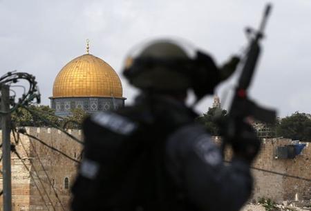 4786399_6_2553_a-jerusalem-les-forces-de-securite_5bd44bc8dcb6ba08ad71f841e22e85aa