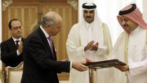Hollande et Fabius à Doha: signature du contrat pour la vente des Rafale