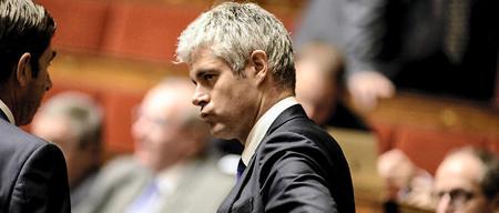 Laurent Wauquiez, ce samedi 21 novembre, en campagne électorale, lance le «Bouclier de sécurité» visant «les milieux islamistes», une formule qui rafle large...