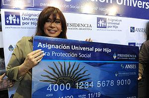 300px-Asignación_Universal_por_Hijo_en_Mar_del_Plata