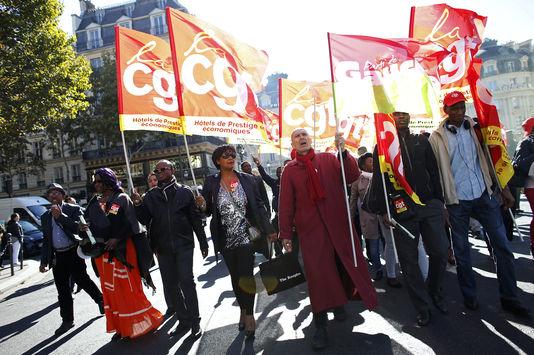 Grève gagnantte du personnel de nettoyage de l'hôtel de luxe W-Paris-Opéra