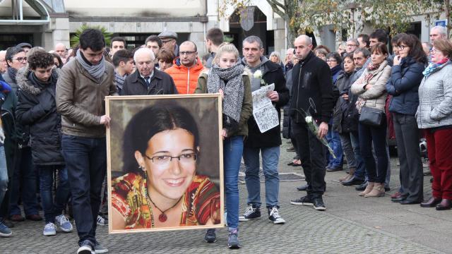 Concarneau, hommage à Estelle Rouat, tuée au Bataclan: «3000 Concarnois présents» (Ouest France)