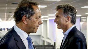 Daniel Scioli face à Mauricio Macri