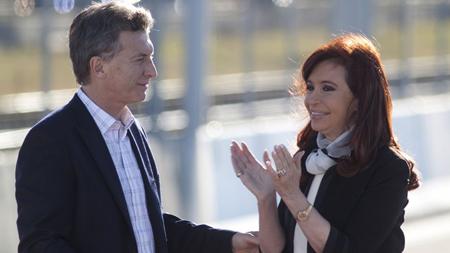 Mauricio Macri et Cristina Fernandez Kirchner: le 10 décembre, elle lui remettra le mandat présidentiel