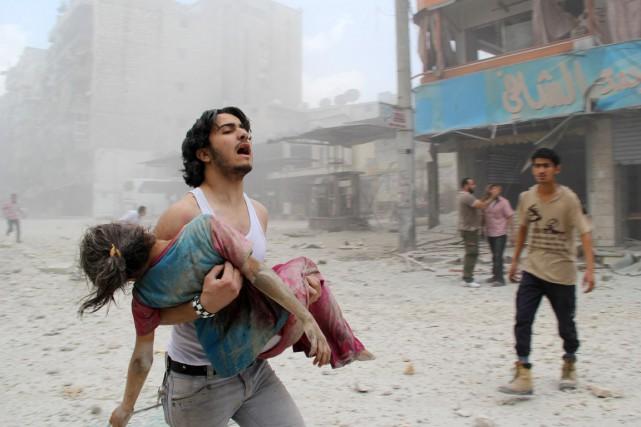 Les barils de la mort pleuvent, à Deraa, Alep, Raqqa...