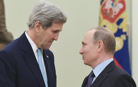 John Kerry et Vladimir Poutine, le 15 décembre, à Moscou
