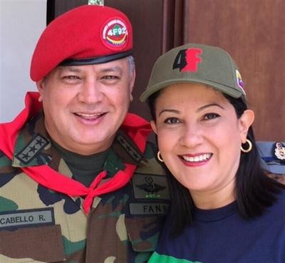 Cabello et sa femme, ministre du tourisme!