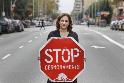 Ada Colau, contre la spéculation et les évacuations de logement