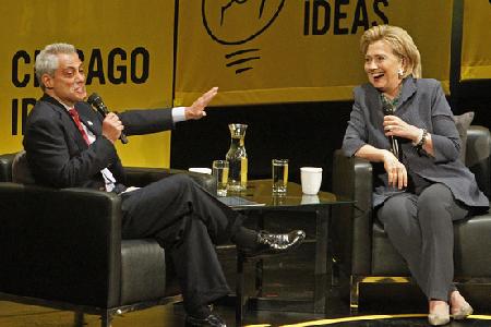 Rahm Emmanuel et Hillary Clinton, en décembre 2015