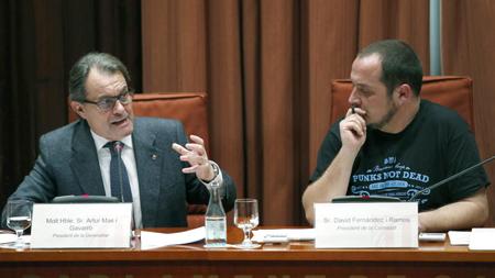 Artur Mas (CDC, président de la Generalitat) et David Fernández (CUP)