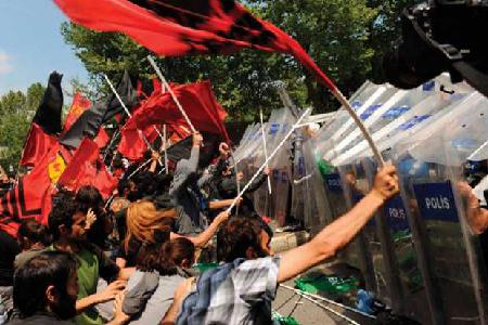 La police face au étudiants: 5 décembre 2016