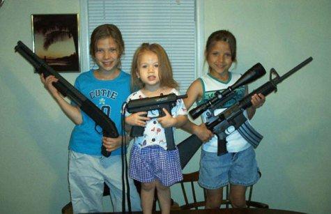 La «normalité» de ladite «culture de violence» intégrée et défendue sous forme constitutionnelle par la National Rifle Association (NRA)