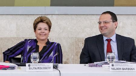 Ils inaugurent 2016: Dilma Rousseff (Présidente) et Nelson Barbosa (Finances), un sourire dévalué... pas «real»