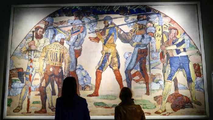 L'ombre de spectatrices face à «une vraie peinture suisse»: «La retraite de Marignan», de Ferdinand Hodler