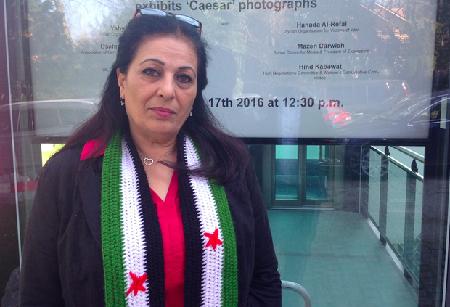 Hanada al-Refai devant le Club suisse de la presse à Genève