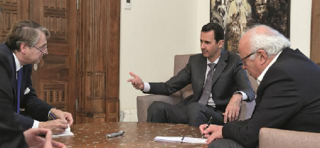 Bachar el-Assad expliquant sa politique, fort bien comprise et soutenue, par «Valeurs actuelles», un périodique français de la droite extrême