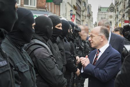 Le ministre de l'Intérieur Bernard Cazeneuve, détendu...