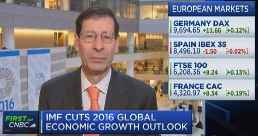 Maurice Obstfeld. Le FMI réduit ses prévisions de croissance pour 2016