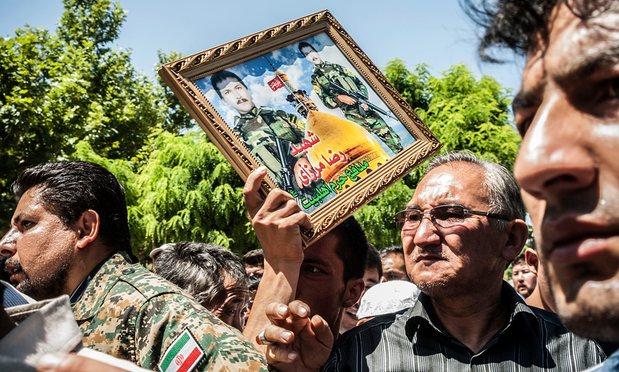 Funérailles de deux soldats Afghan à Mashad, une des deux villes où le «recrutement» d'Afghans pour combattre en Syrie est quotidien