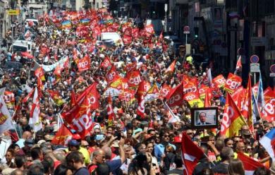 Dans la manifestation parisienne le 14 juin