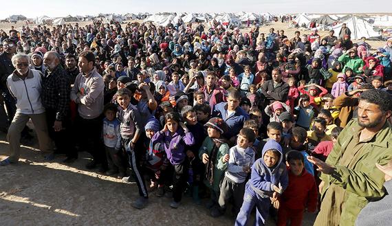 Janvier 2016, des milliers de réfugié·e·s attendent de pouvoir entrer en Jordanie dans la région de Hadalat