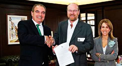 Le ministre de l'Agriculture, Aurelio Iragorri, avec l'entrepreneur Gustavo Grobocopatel, président du Grupo Los Grobo