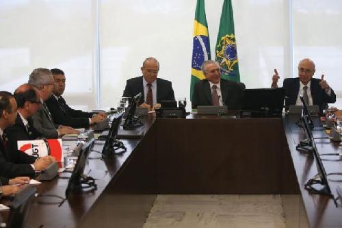 Mai 2016: Temer engage les «négociations» pour la contre-réforme de la prévoyance sociale