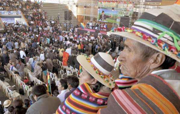 Sommet social, en 2012, à Tiquipaya (département de Cochabamba, Bolivie) pour débattre de la souveraineté alimentaire et de la démocratie