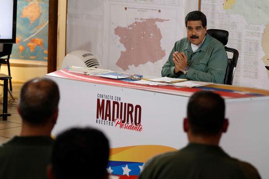 Le 12 juillet 2016, Nicolas Maduro annonce que les principaux ports seront placés sous autorité militaire. Un mode de riposte à «l'implosion du système» qui s'étend