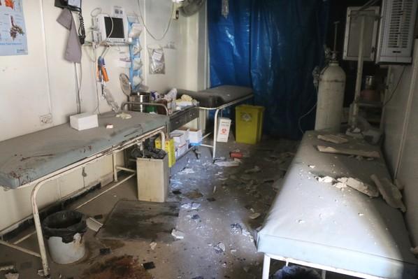 La «clinique» Al-Bayan après un bombardement...