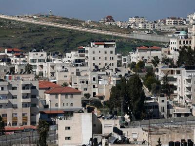 Colonie construite par Amana après expropriation de terres de familles palestiniennes