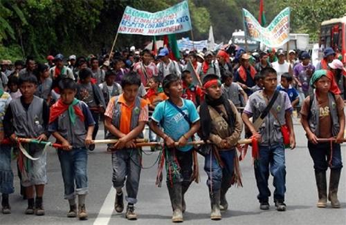 «Garde indigène»: selon les statistiques de 2005, 3,5% des habitants de la Colombie (1,4 million) appartenaient officiellement aux «peuples indigènes»