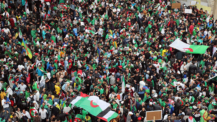 Algerians protesters demand the departure of entire Algerian regime
