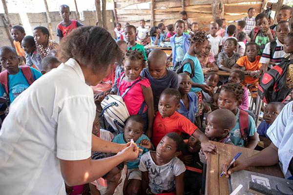 mozambique-cyclone-idai-amelia-mateos-oral-cholera-vaccine
